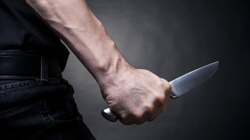 وادي الليل: تعرّض عمّال بمصنع حلويات إلى الإعتداء بالأسلحة البيضاء