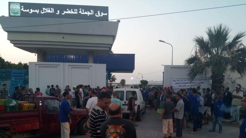 سوسة: عمال سوق الجملة يدخلون في إضراب