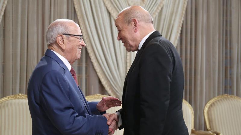 السبسي يبحث التطورات في ليبيا مع وزير الخارجية الفرنسي