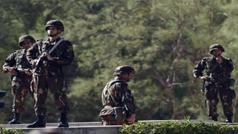 3 إرهابيين يسلمون أنفسهم للجيش الجزائري