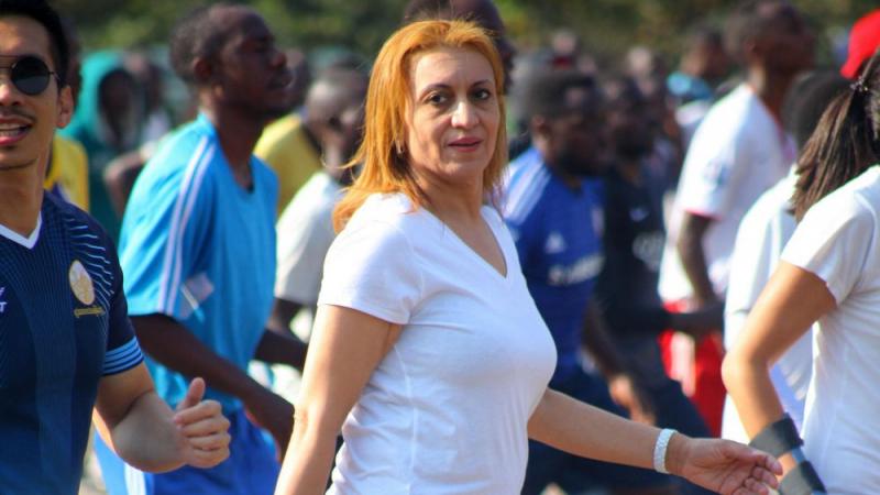 سعاد عبد الرحيم تشارك في ''يوم بلا سيارات'' في رواندا