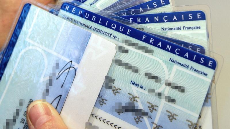 70 ألف جزائري طلبوا الحصول على الجنسية الفرنسية خلال سنة ونصف