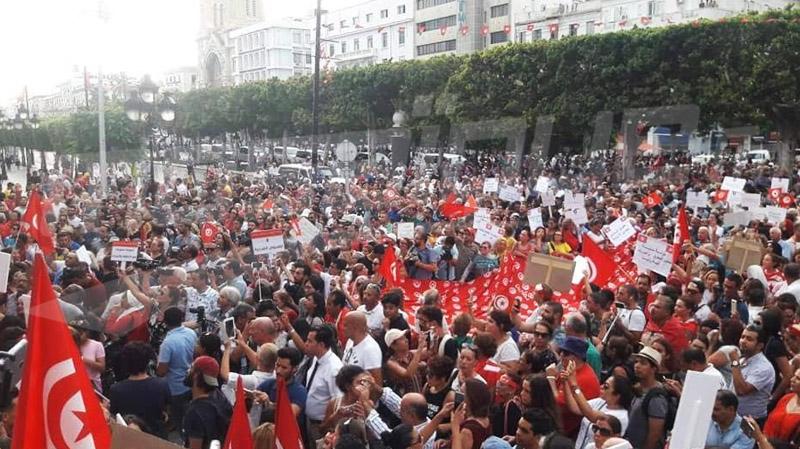 شارع الحبيب بورقيبة: مسيرة مساندة لتقرير لجنة الحريات
