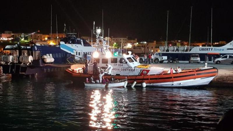 رفضوا إسعافهم من سفينة منظمة غير حكومية:وصول مهاجرين تونسيين لإيطاليا
