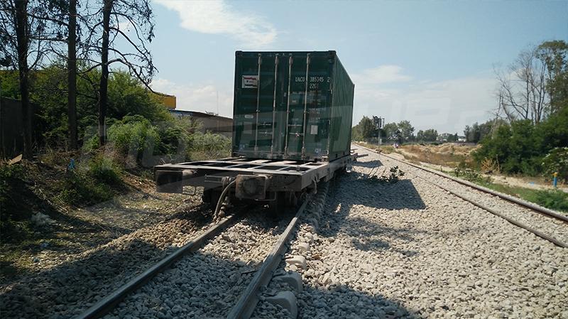 حادث انقلاب حاويات البضائع: تواصل توقف حركة سير القطارات