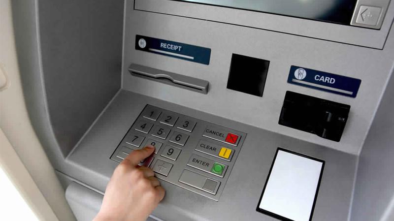 القصرين:موزعات البنوك الآلية دون أموال!