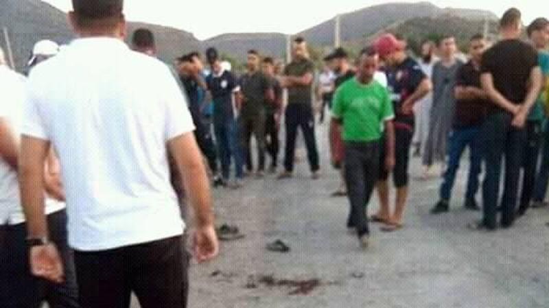 إنفجار قنبلة بالجزائر: وفاة طفل وبتر قدمي آخر..