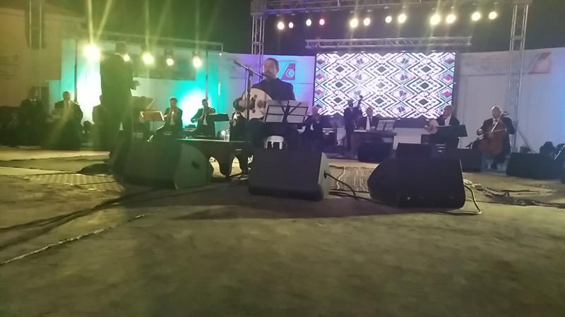مهرجان طبرقة: تسليم مداخيل حفل لطفي بوشناق لعائلات الشهداء