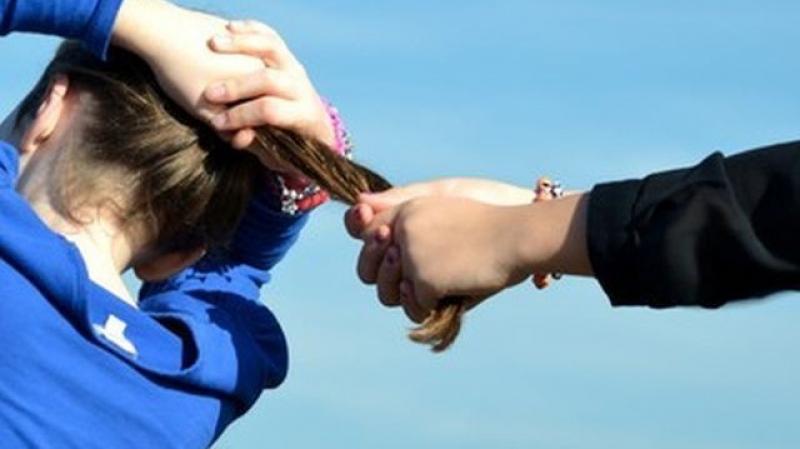القيروان: ايقاف فتاةاعتدتعلى طبيبة ومزّقت شعرها