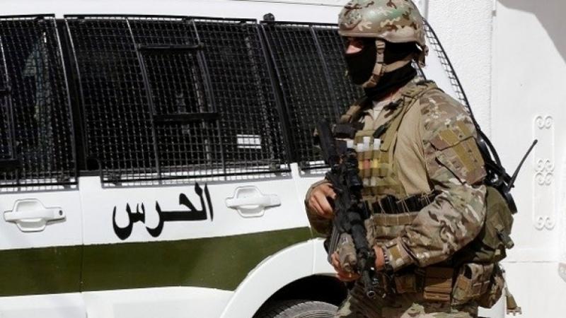زغوان: ايقاف عون حرس في سيارته 4 مليارات من العملة الصعبة