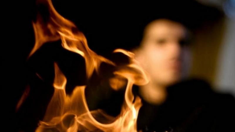 الحمامات : وفاة شاب تخاصم مع والده فأحرق نفسه أمامه