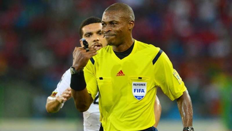 الغابوني ايريك اوتوغو يدير مباراة تونس والنيجر