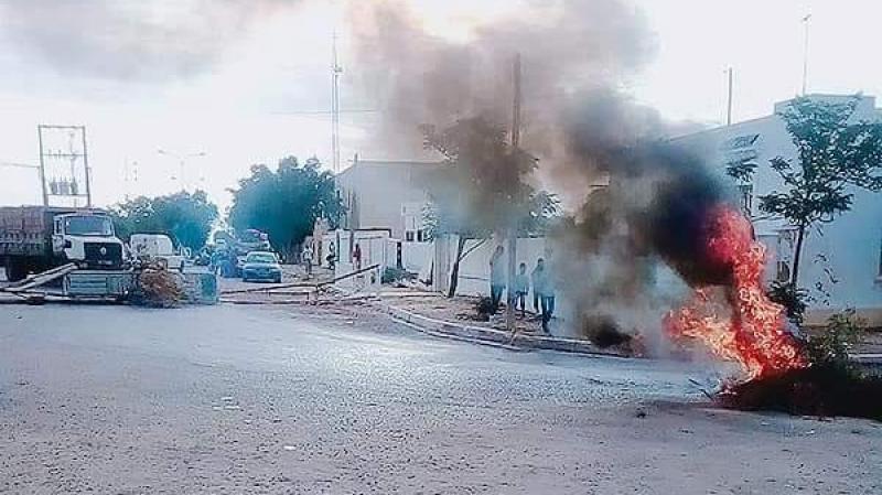 صفاقس: إعادة فتح الطريق في منطقة بوثدي