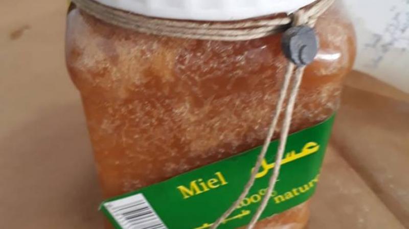 أريانة: حجز كمية من العسل المغشوش بثلاثة فضاءات تجارية كبرى