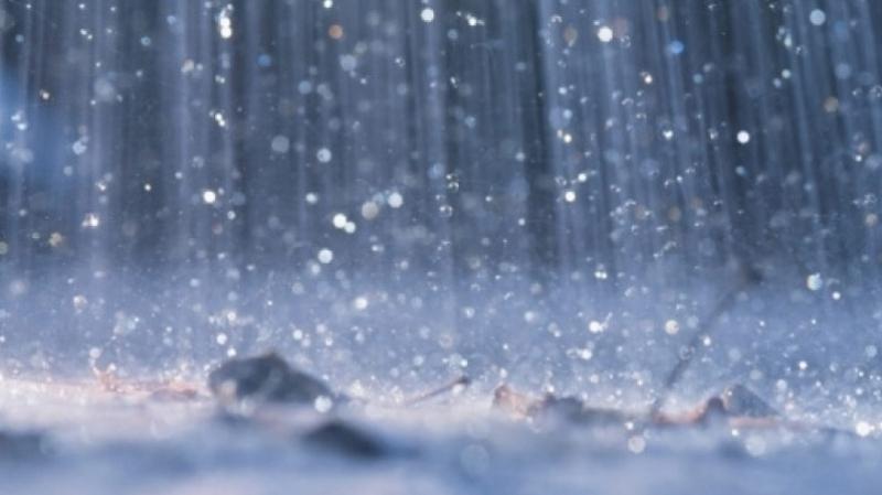 أمطار رعدية غزيرة ورياح قوية متوقعة يوم الخميس