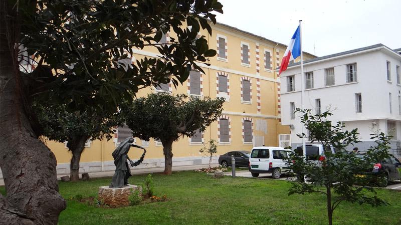 الجزائر تلغي الحماية الأمنية للتمثيليات الدبلوماسية الفرنسية