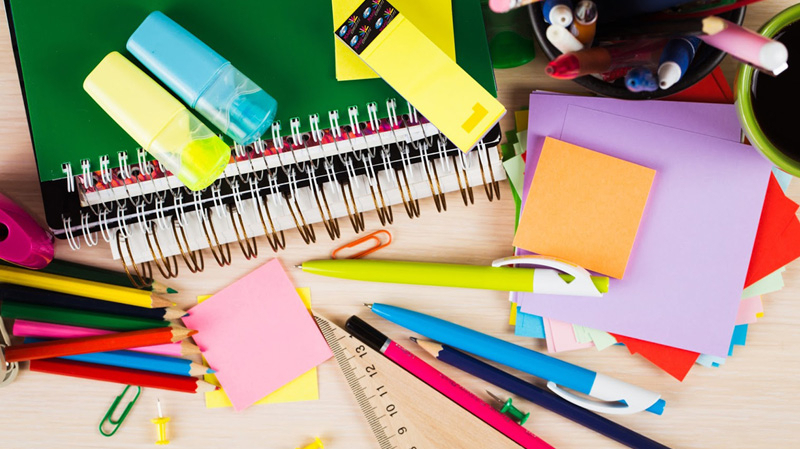 أدوات مدرسية