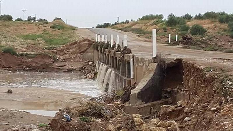 تستور: انهيار جسر لم يمض على اعادة تهيئته سوى أسبوعين
