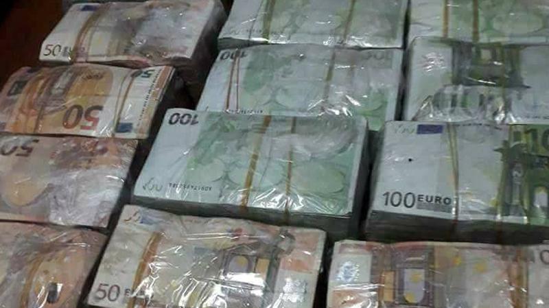 المنستير:هديتان لصديقتيه كشفتا عن سرقته لـ 200 ألف أورو من منزل قريبه
