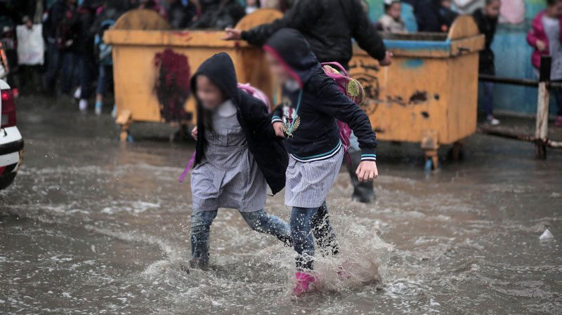 أريانة: تعليق الدروس بمدرسة دار فضال 2 بعد أن غمرتها مياه الأمطار