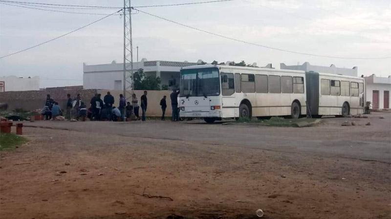 ملولش: محتجون يحتجزون حافلات شركة النقل بالساحل