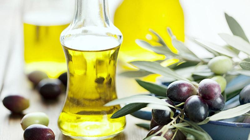 عائدات زيت الزيتونتساهم في تقليص عجز الميزان التجاري الغذائي لتونس