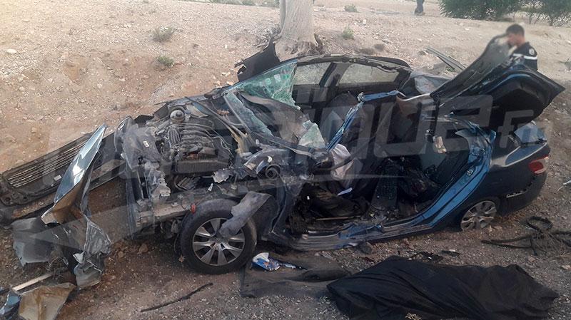 وفاة شخص واصابة 5 أمنيين في اصطدام سيارتين