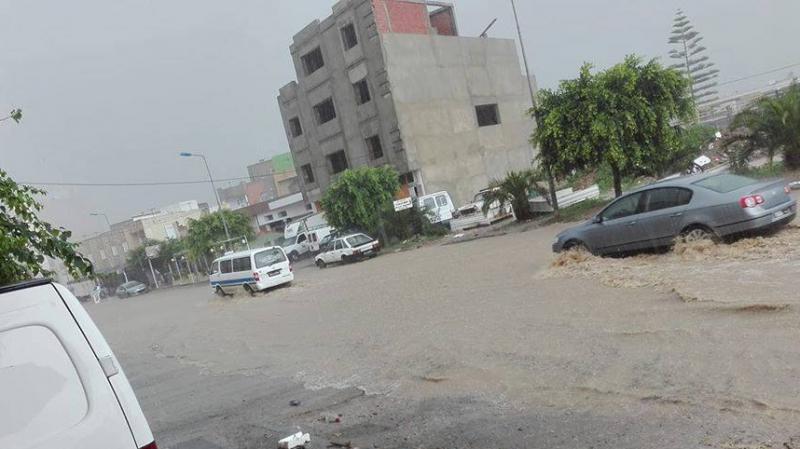 أمطار في بني خلاد: أعوان الحرس والحماية يتدخلون لمساعدة المواطنين