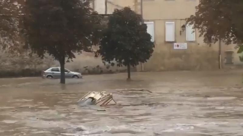 السيول تقتل 6 أشخاص على الأقل بجنوب فرنسا
