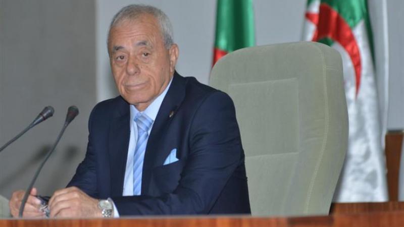 الحزب الحاكم الجزائري يحيل رئيس البرلمان على لجنة الانضباط