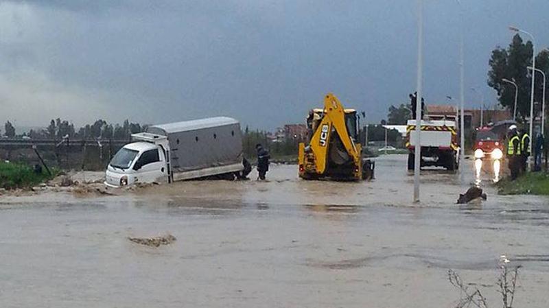 الداخلية:انقطاع حركة المرور بعدد من ولايات الجمهورية