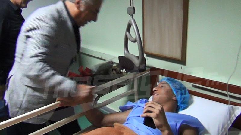 وفد من الإفريقي يزور اللاعب أحمد خليل في المصحة