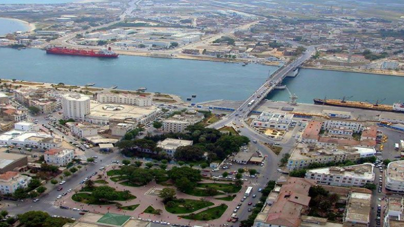 اللجنة المينائية ببنزرت تدعو لفسخ صفقة المقاول المكلف بمشروع المسطحات