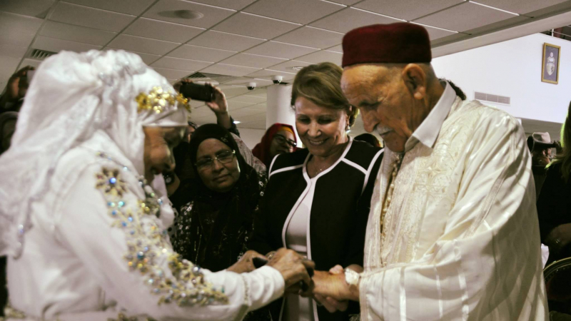 الحب يتجاوز حدود المكان والزمان والسن: محمد وخرخوطة يتزوجان في سن 79