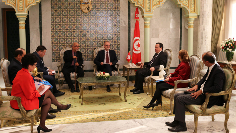 وزير الخارجية يلتقي وفدا عن الفيدرالية الدولية لمدرسي اللغة الفرنسية