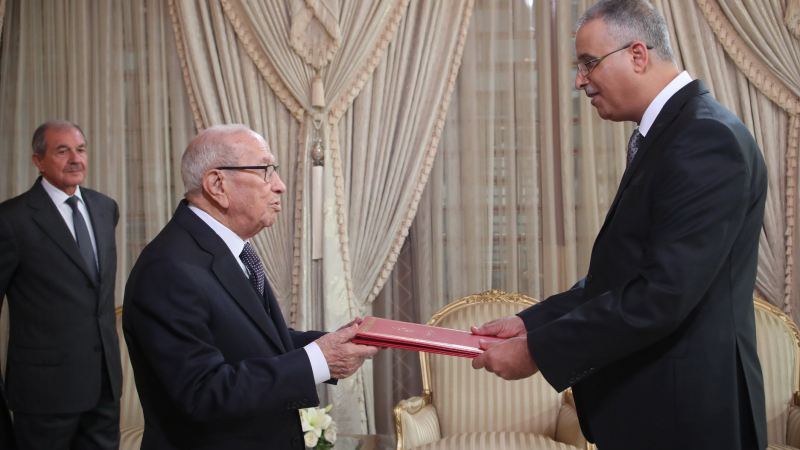 تسليم أوراق اعتماد سفير تونس لدى أندونيسيا