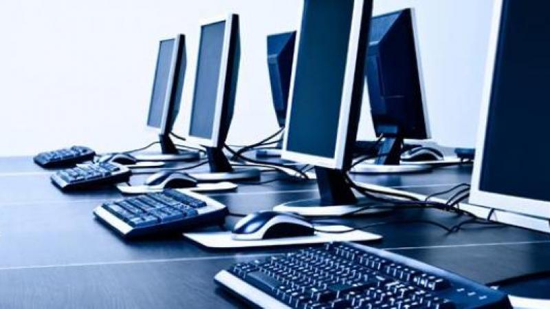 وزير للأمن الإلكتروني.. لم يستخدم جهاز حاسوب في حياته!