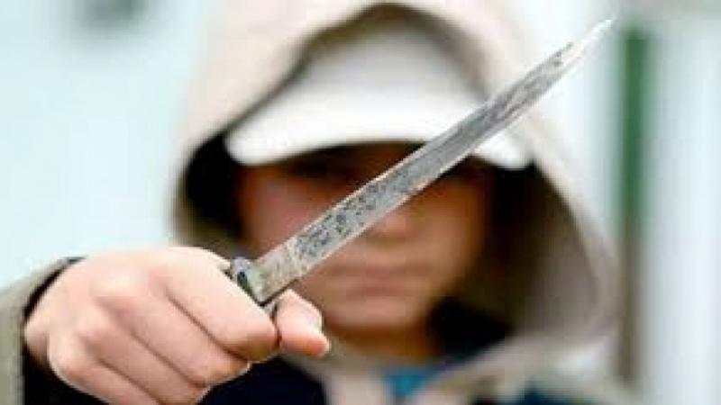 بوحجلة: تلميذ يطعن زميله بسكين ويحيله على الإنعاش !