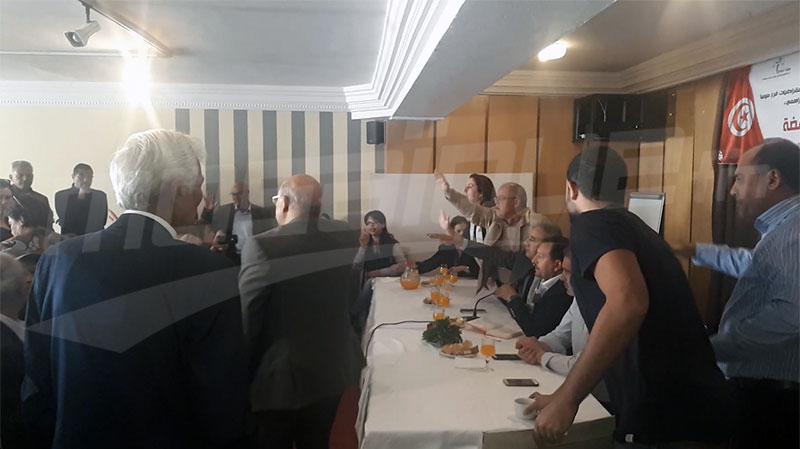 مستشارة بلدية عن النهضةتثيرغضب الحضور في ندوة هيئة الدفاع عن الشهيدين