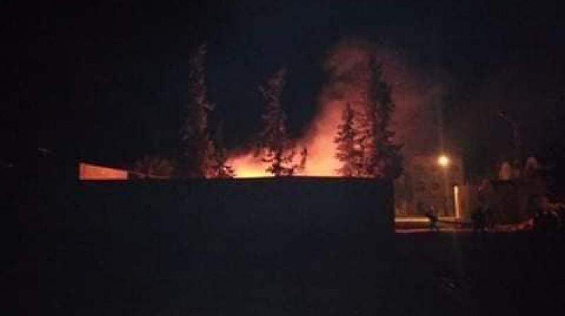 منزل بوزيان: حرق سيارة إدارية تابعة لمركز الأمن