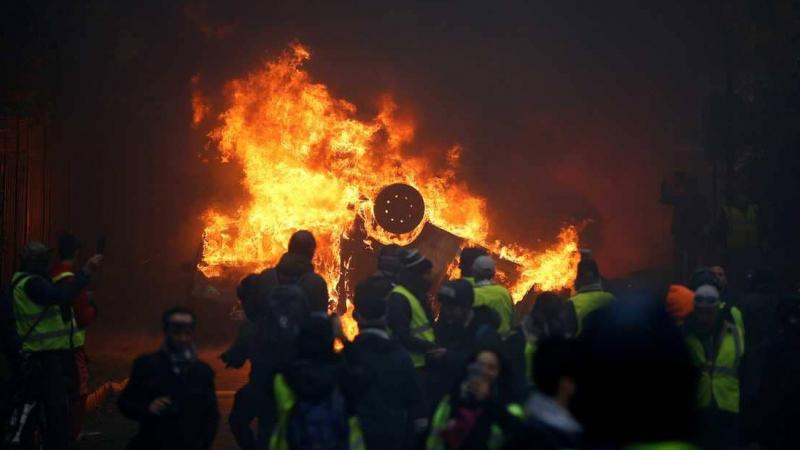 فرنسا: إيقاف 1385 من محتجي 'السترات الصفراء'