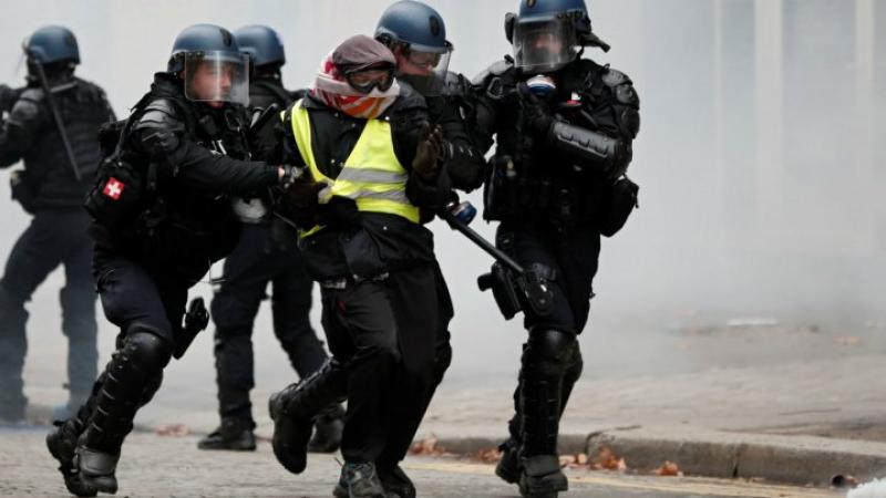 سترات الغضب في باريس: إصابات في صفوف المحتجين والأمنيين
