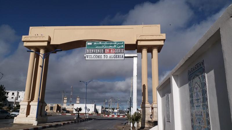 الاحتجاجات تغلق الحدود البرية التونسية الجزائرية