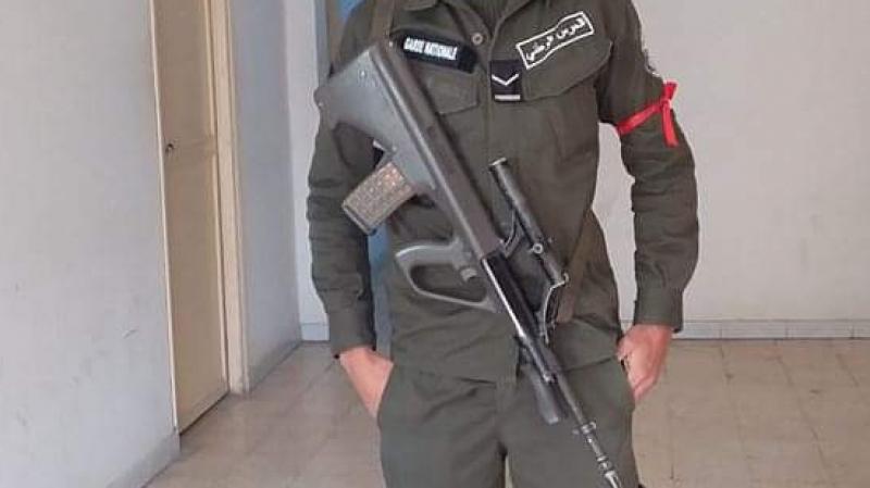 تطاوين: أعوان الحرس الوطني يحملون شارات حمراء