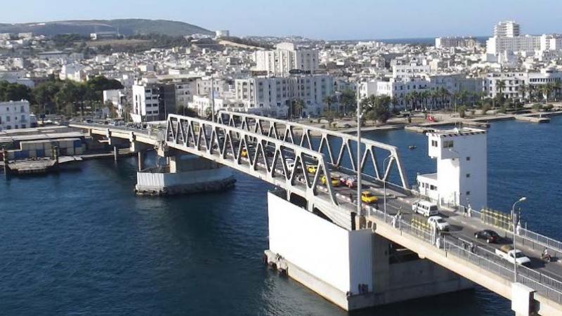 عطب في جسر بنزرت يعطل عبور السفن