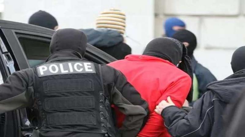 القصرين:إيقاف عنصر ثامن لخلية إرهابية خطّطت لإستهداف نقابيين وسياسيين