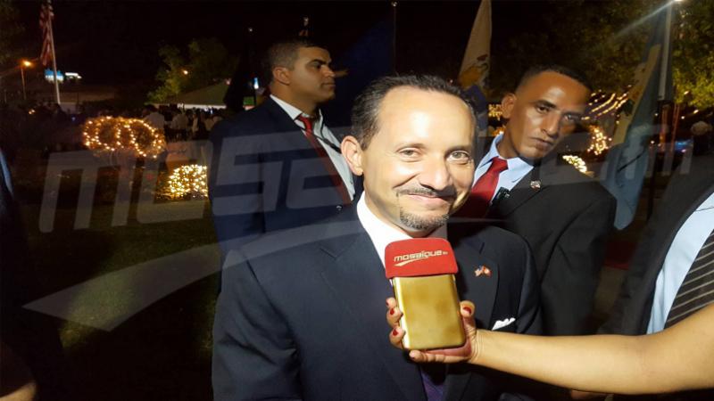 في حوار باللهجة التونسية:السفير الأمريكي السابق يسترجع ذكرياته في تونس