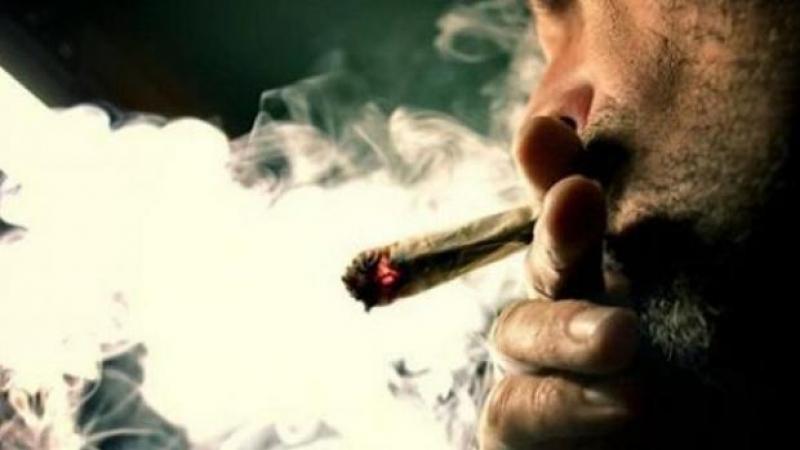 دراسة: تدخين الحشيش يزيد من خصوبة الرجال!