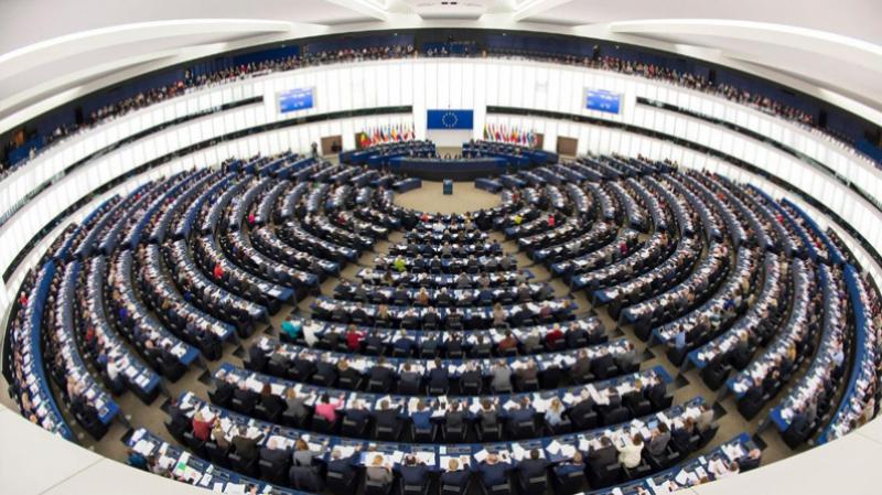 القائمة السوداء: كيف أبقى الاتحاد الأوروبي على تونس؟