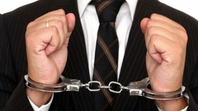 القبض على مدراء عامين لشركات بترولية هربوا 100 مليار بين سويسرا وبنما